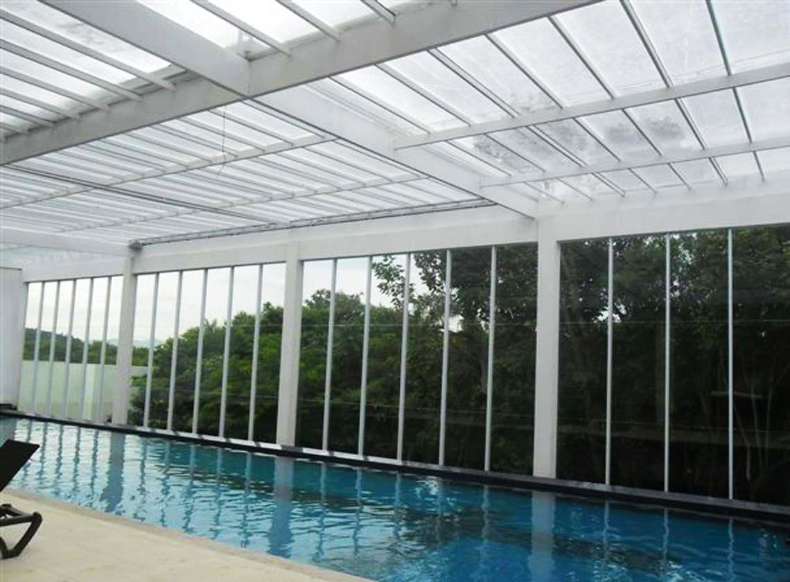 Cobertura em policarbonato compacto toldos mundial for Cobertura piscina